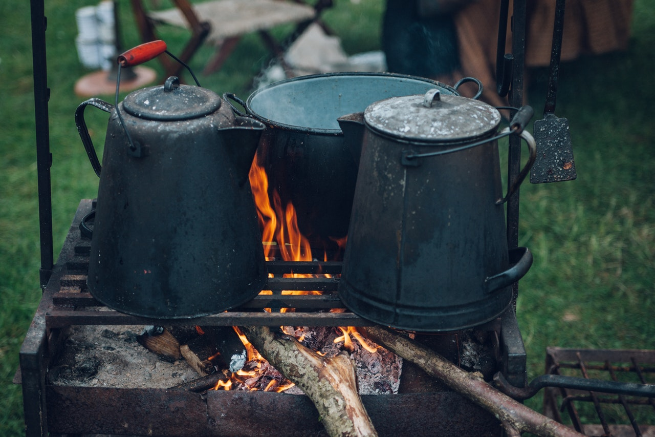 How to Use a Camp Oven